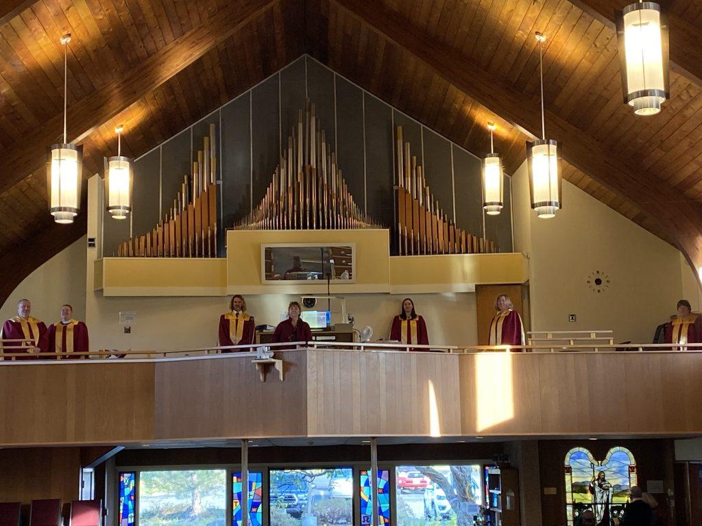 choir members social distancing